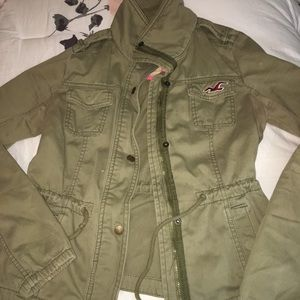 LIKE NEW Army Green fall jacket. Hollister. Size S